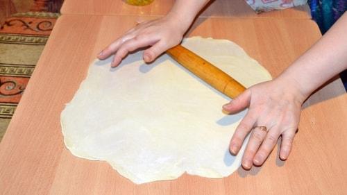 Раскатать тесто для ханумы