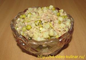 Рыбный салат из консервов