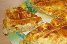 Вкуснейший луковый пирог из слоеного теста