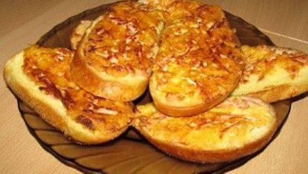 Супер-Гренки с сосисками и сыром!