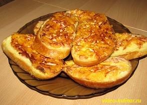 Гренки с сосисками и сыром