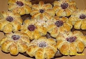 Ананасовое печенье из слоеного теста