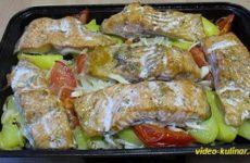 Форель запеченная в духовке с овощами