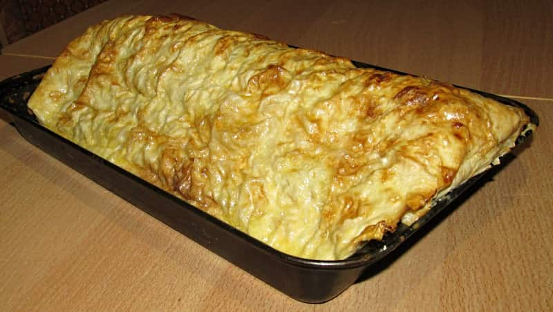Рецепт мясного пирога Монастырская изба