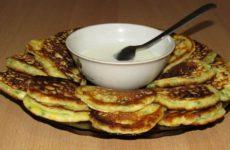Оладьи с яйцом и зеленым луком: ленивые пирожки
