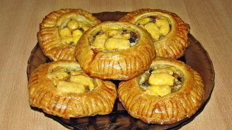 пирожки Гусарики из слоеного теста