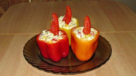 Салат с копченым колбасным сыром и яйцом
