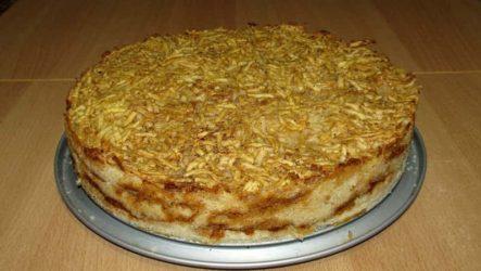 Насыпной яблочный пирог в духовке