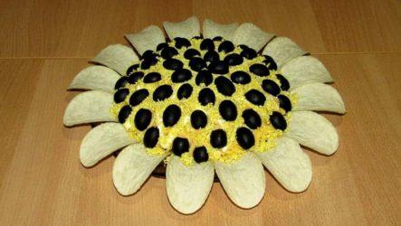 Салат Подсолнух с курицей и грибами