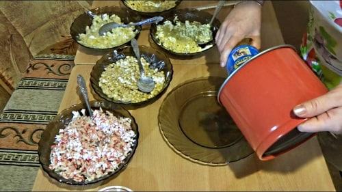 Крабовый салат в разъемной форме