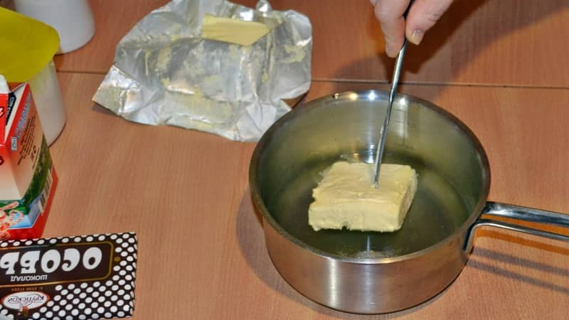 Сливочное масло в тесто для торта Дамские пальчики
