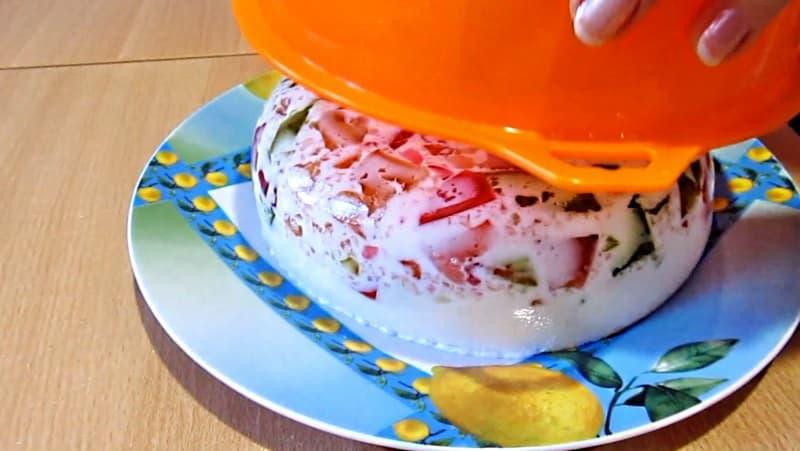 Аккуратно вынуть торт Битое стекло