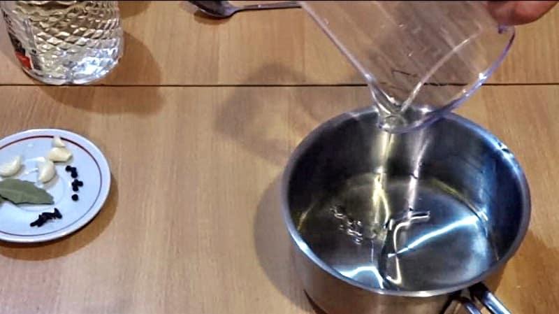 Масло в маринованные шампиньоны
